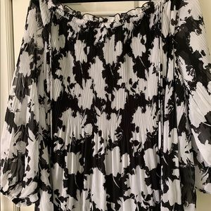 Plus size black & white blouse